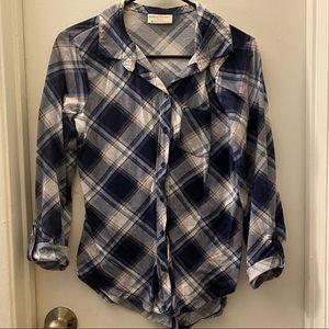 Bobbie Brooks Women's size Medium blouse